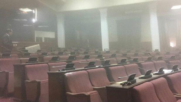 تصویر انفجار سنگین تروریستی در مقابل پارلمان افغانستان