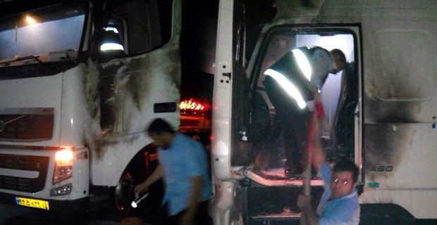 تصویر حمله به یک تریلر ایرانی در شهر مرزی ترکیه