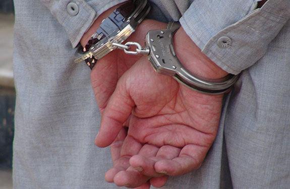 تصویر بازداشت یکی از فرماندهان داعش ، در شرق افغانستان