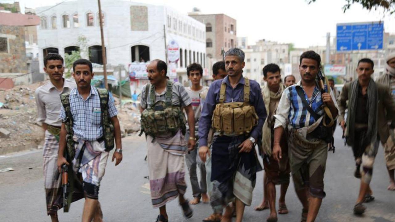 تصویر انصارالله چندین منطقه مسکونی تعز را آزاد کرد/فرمانده تروریستها در تعز دستگیر شد