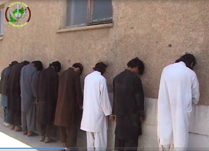 تصویر بازداشت ده عضو شبکه حقانی در افغانستان