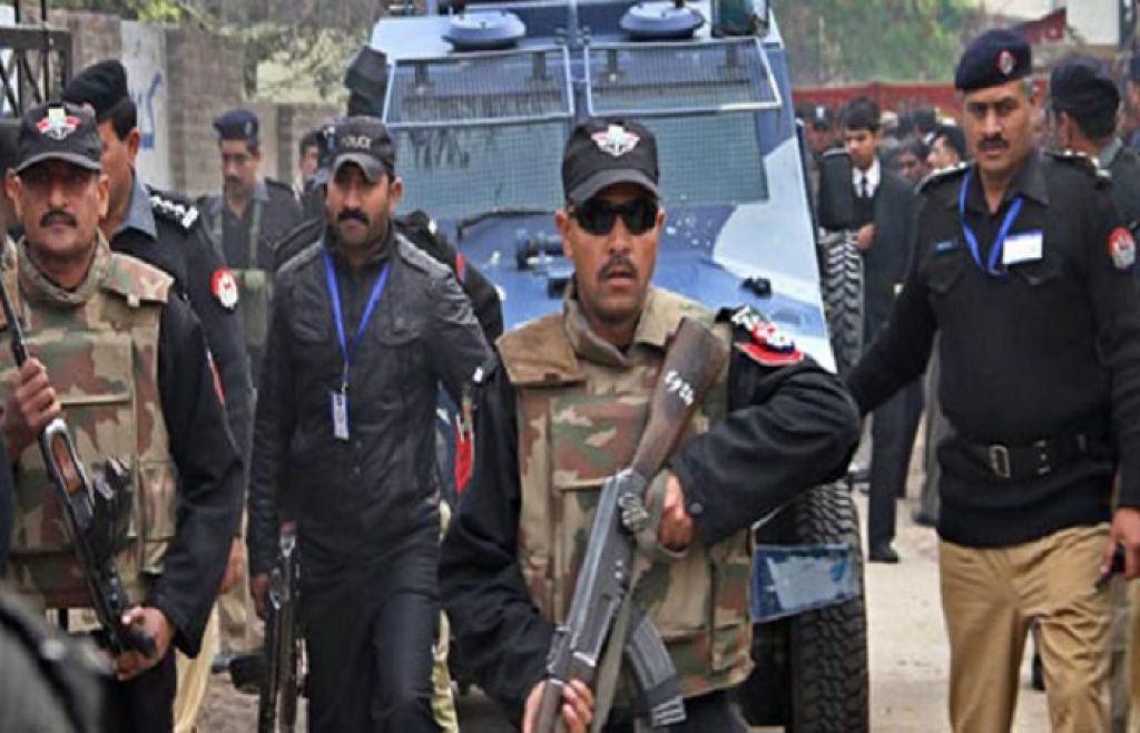 تصویر گروگانگیری تروریست ها در شرق پاکستان