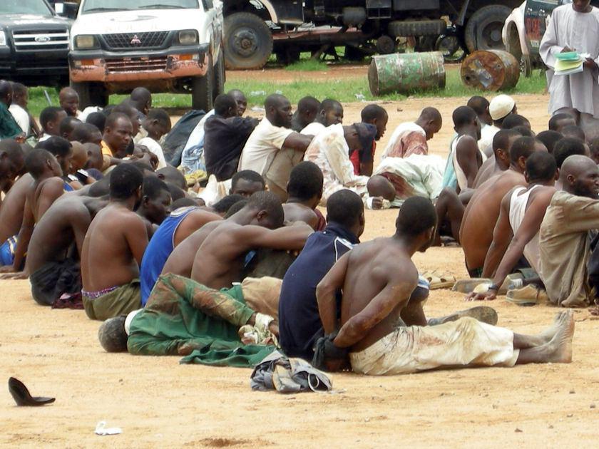 تصویر بازداشت تعدادى از عناصر بوکوحرام در نیجریه