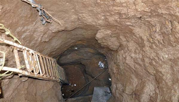 تصویر انهدام تونل 2500 متری