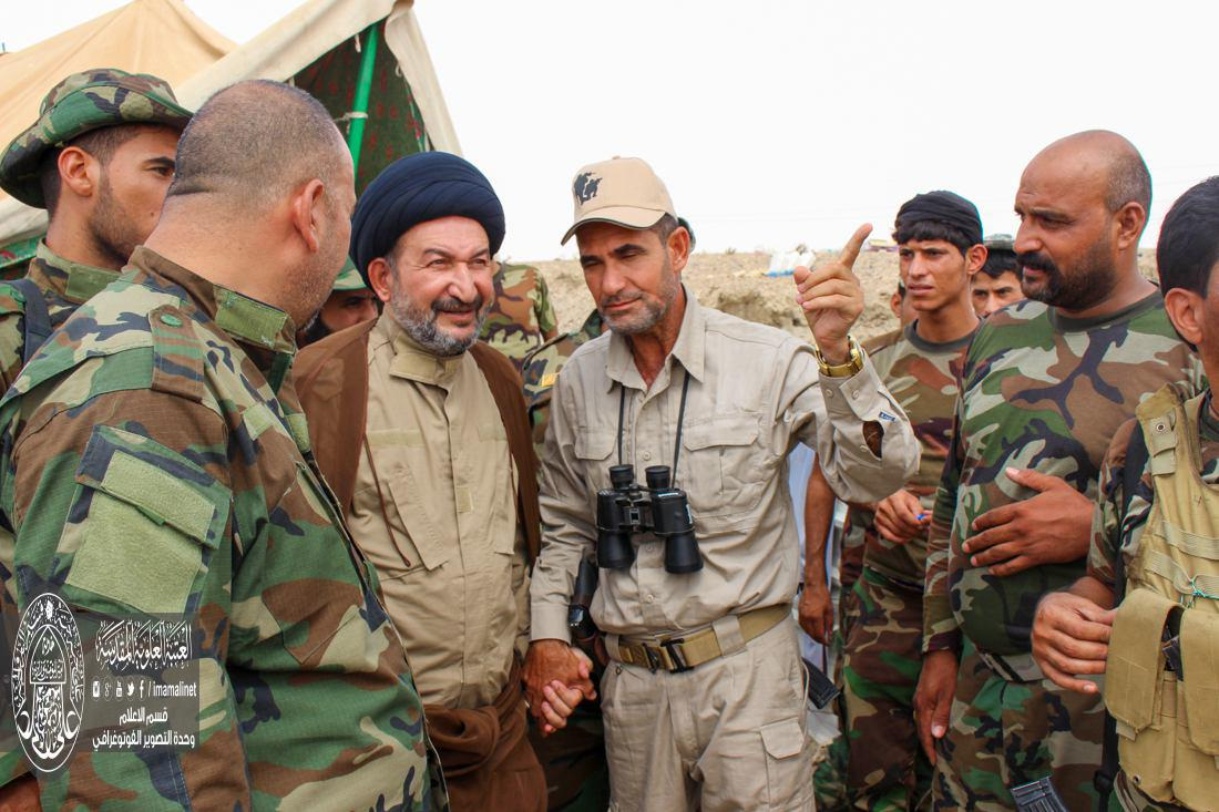 تصویر حضور تولیت حرم امیر المومنین علی علیه السلام، در خط مقدم مبارزه با داعش