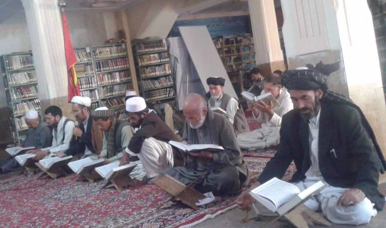 تصویر مراسم دعای پر فیض عرفه در دفتر آيت الله العظمى شيرازى در كابل
