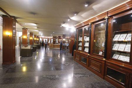 تصویر نمایشگاه کتابهای چاپ سنگی و چاپی، با موضوع عید غدیر