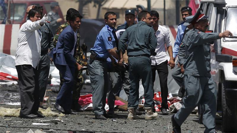 تصویر اقدام تروریست ها به انفجار پنج مین مغناطیسی، در بین شیعیان افغانستان