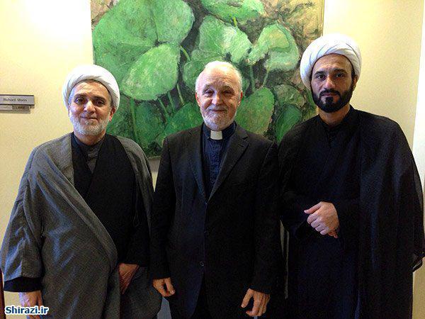 تصویر دیدار وکیل آیت الله العظمی شیرازی با کشیش اعظم جامعه مسیحیان کانادا