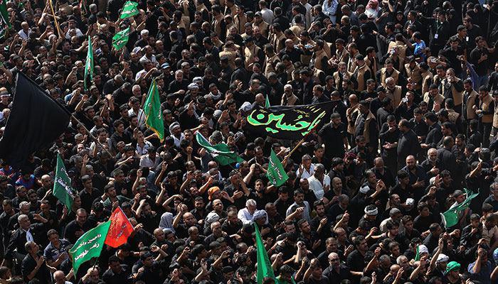 تصویر خدمت رسانی هزاران خادم افتخاری آستان مقدس حسینی در محرم ، و آمادگی برای استقبال از میلیون ها زائر اربعین
