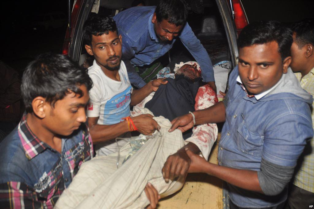 تصویر حمله تروريستى به مسجد شيعيان در شمال بنگلادش