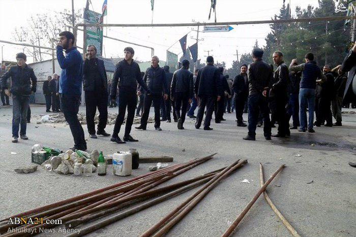 تصویر شهادت و جراحت چندین نمازگزار در جریان حمله مسلحانه پلیس آذربایجان به مسجد شیعیان