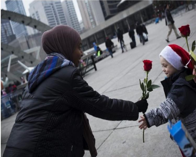 تصویر قدردانی مسلمانان کانادا از حمایت های شهروندان تورنتو