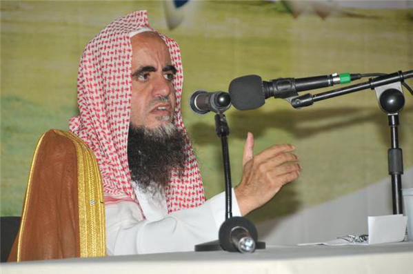 تصویر فتوای عجیب مبلغ سعودی مبنی بر واجب بودن رعایت حجاب کامل بر مردها