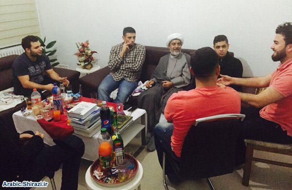 تصویر دیدار نماینده آيت الله العظمى شيرازى ، با گروه های مختلف شیعیان، در آلمان