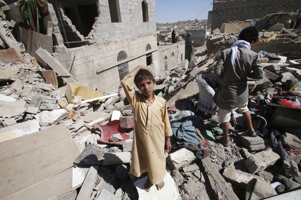 تصویر کشته شدن 7 هزار غیرنظامی، حاصل 10 ماه تجاوز ائتلاف عربی ـ سعودی، به یمن