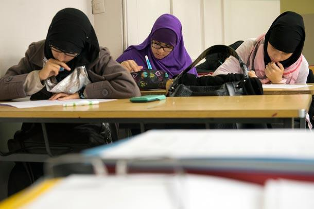 تصویر مخالفت دادگاه فدرال سوئیس با ممنوعیت حجاب در مدرسه