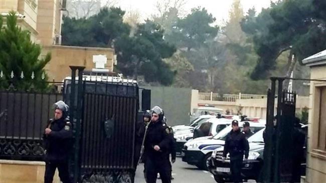تصویر تداوم برخوردهای خشونت آمیز جمهوری آذربایجان با شیعیان، و  ممنوعیت حضور شیعیان نارداران در مساجد