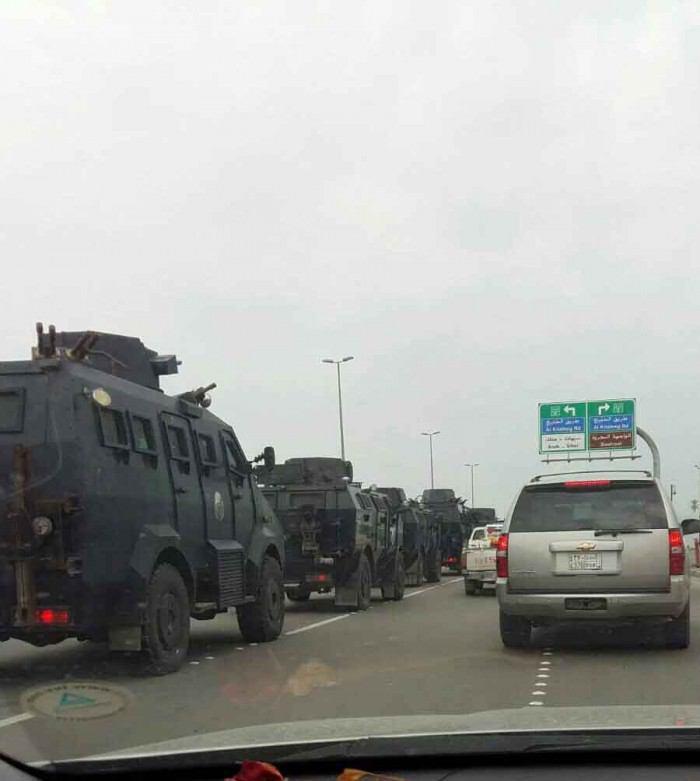 تصویر صدها خودروی زرهی رژیم سعودی به سمت شهر شیعه نشین القطیف حرکت کردند