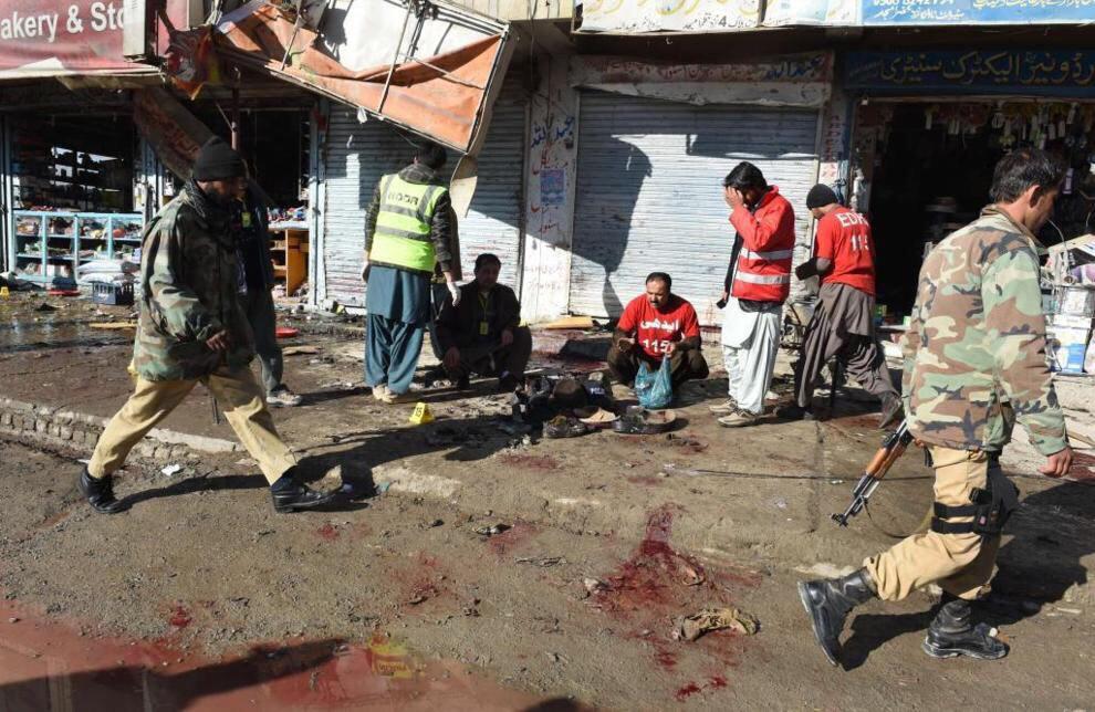 تصویر انفجار تروریستی در مرکز واکسیناسیون اطفال در کویته پاکستان