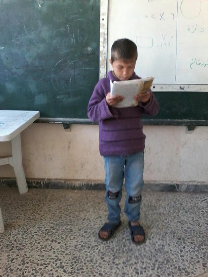 تصویر تلاش دانش آموزان شیعه سوری با وجود حملات تکفیری ها