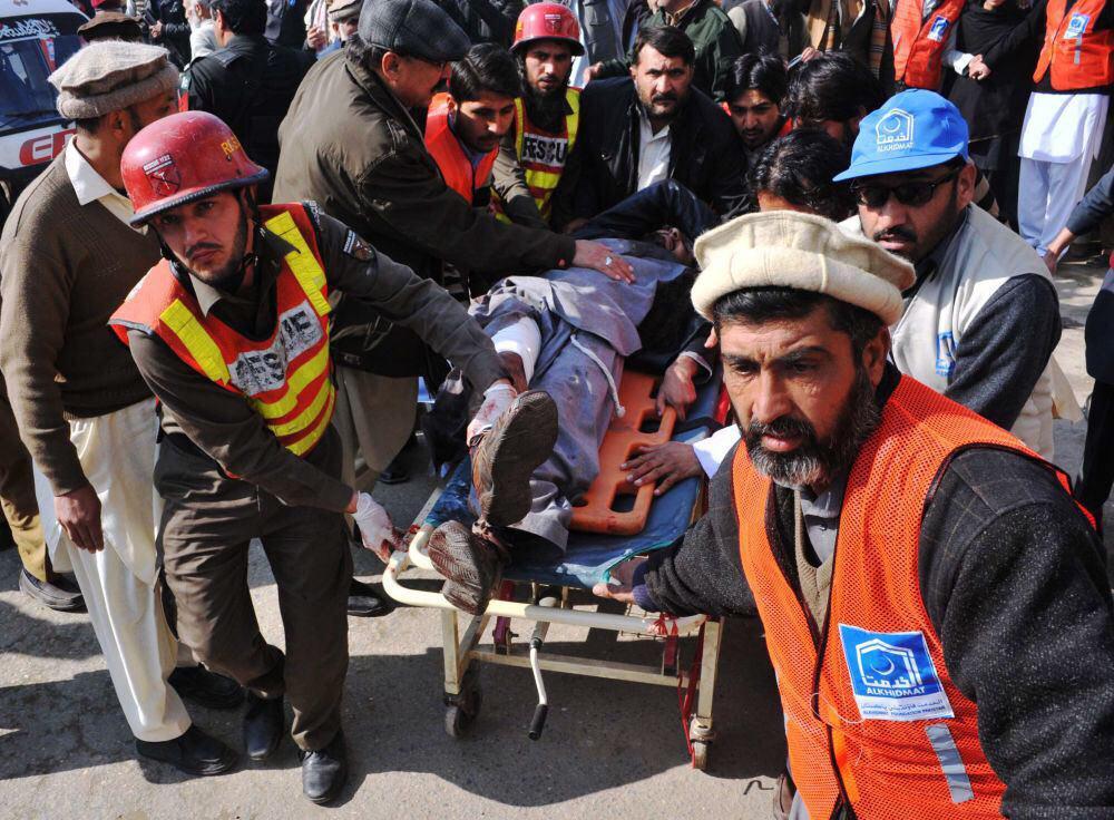 تصویر حمله خونین تروریست ها به دانشگاهی در شمال غرب پاکستان