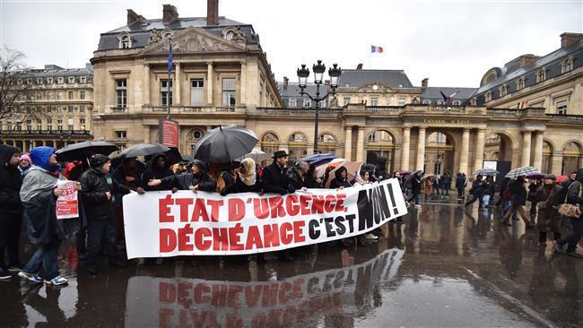 تصویر سوءاستفاده فرانسه از وضعیت فوقالعاده علیه مسلمانان