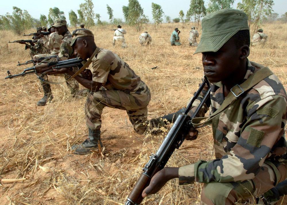 تصویر هلاکت 27 تروریست بوکوحرام در درگیریهای برون مرزی با سربازان کامرونی