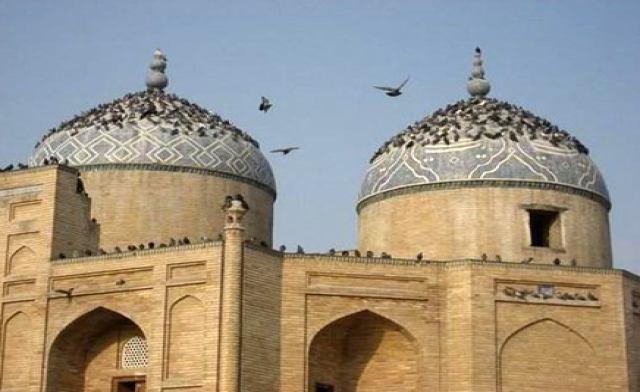 تصویر مساجد تاجیکستان به کارگاه خیاطی تبدیل می شوند!