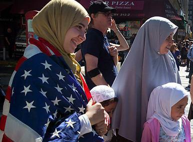 Photo of انتقادات گسترده از ارتش آمریکا، به خاطر تروریست نامیدن زنان محجبه