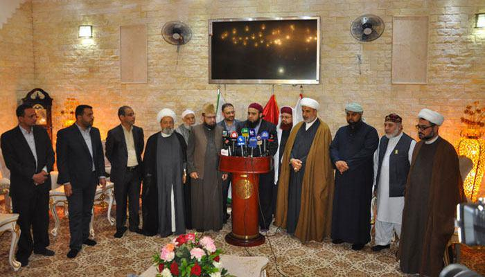 تصویر علمای مسلمان انگلیس میهمانان آستان مقدس حسینی گامی در راستای همزیستی مسالمت آمیز
