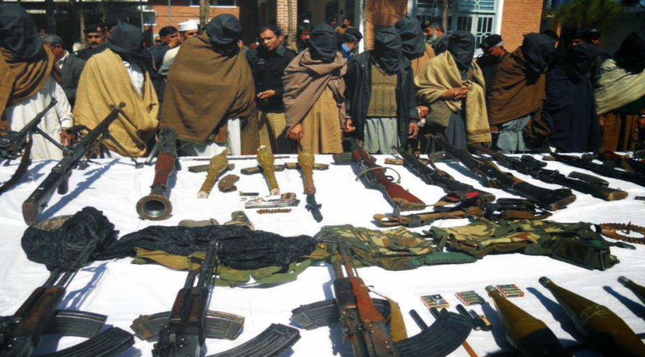تصویر دستگیری صدها تروریست در عملیات نیروهای امنیتی پاکستان