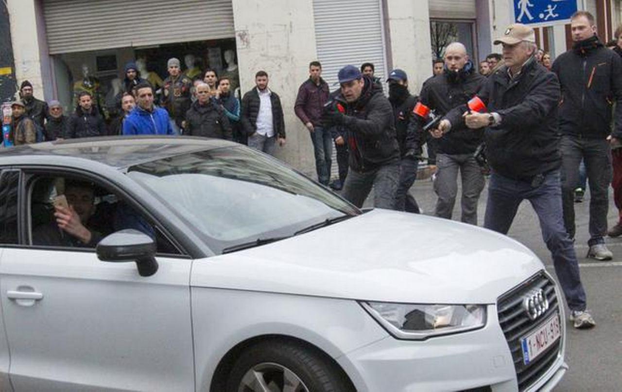 تصویر زن مسلمان بلژیکی هدف اقدام نژاد پرستانه