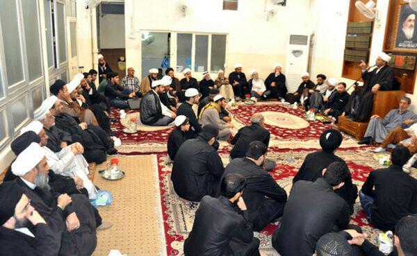 تصویر مجلس سوگواری شهادت امام هادی علیه السلام در دفتر آیت الله العظمی شیرازی در شهر مقدس کربلا