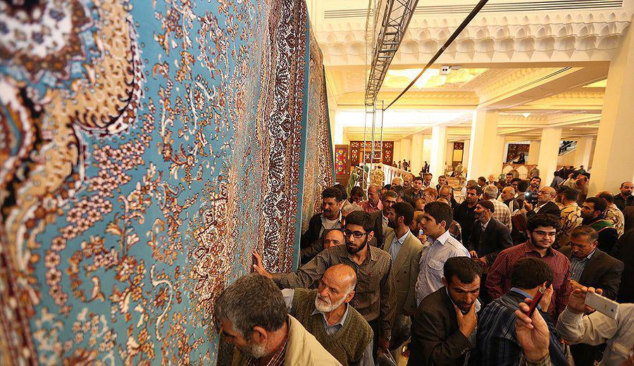 Photo of رونمایی از فرشهای اهدایی مردم استان فارس به حرم عسکریین علیهم السلام