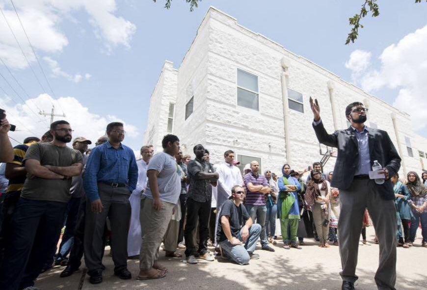 تصویر حلقه انسانی تگزاس در حمایت از مسلمانان