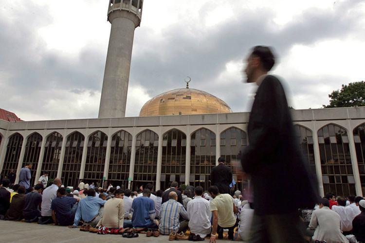 تصویر ممنوعیت ورود گروه ضد اسلامی به مساجد انگلیس