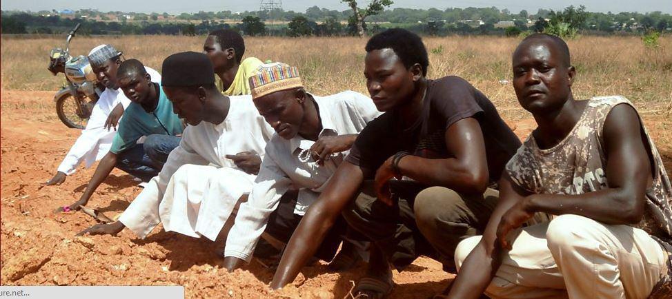 تصویر کمیته تحقیق نیجریه: نیروهای ارتش به خاطر کشتار شیعیان تحت تعقیب قرار بگیرند