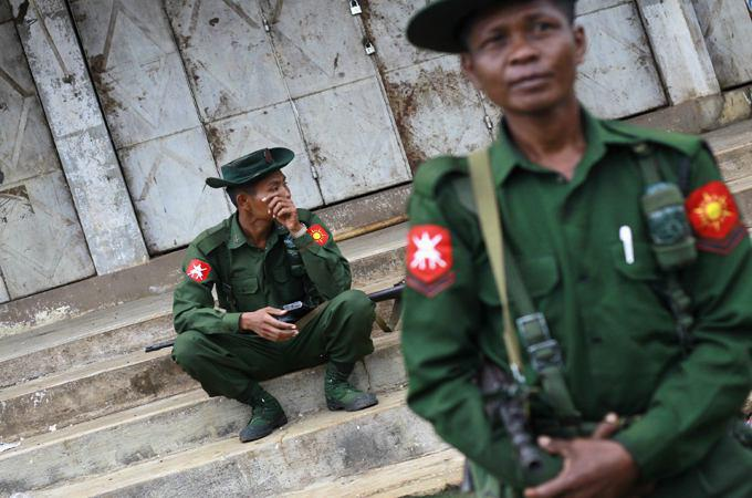 تصویر حکومت نظامی در شهرهای مسلماننشین میانمار
