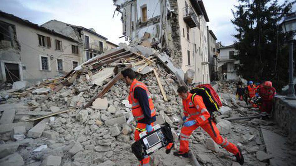 تصویر مسلمانان در خط مقدم کمک به زلزله زدگان ایتالیایی
