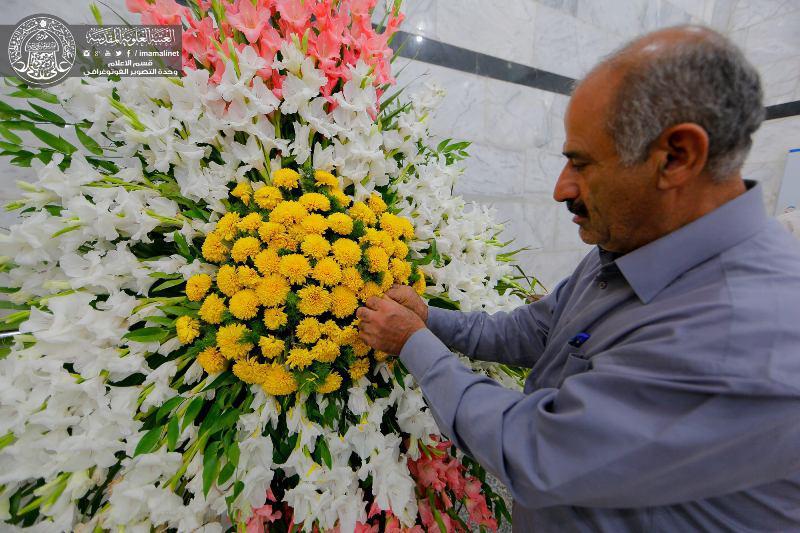 تصویر تزیین صحن وسرای بارگاه علوی با 14 هزار شاخه گل
