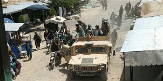 تصویر هلاکت 40 عضو طالبان در یک حمله هوایی