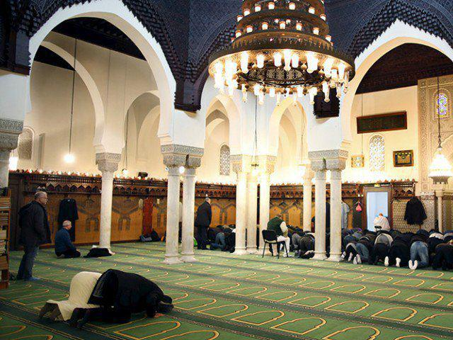 تصویر تعطیلی ۴ مسجد سلفی در فرانسه