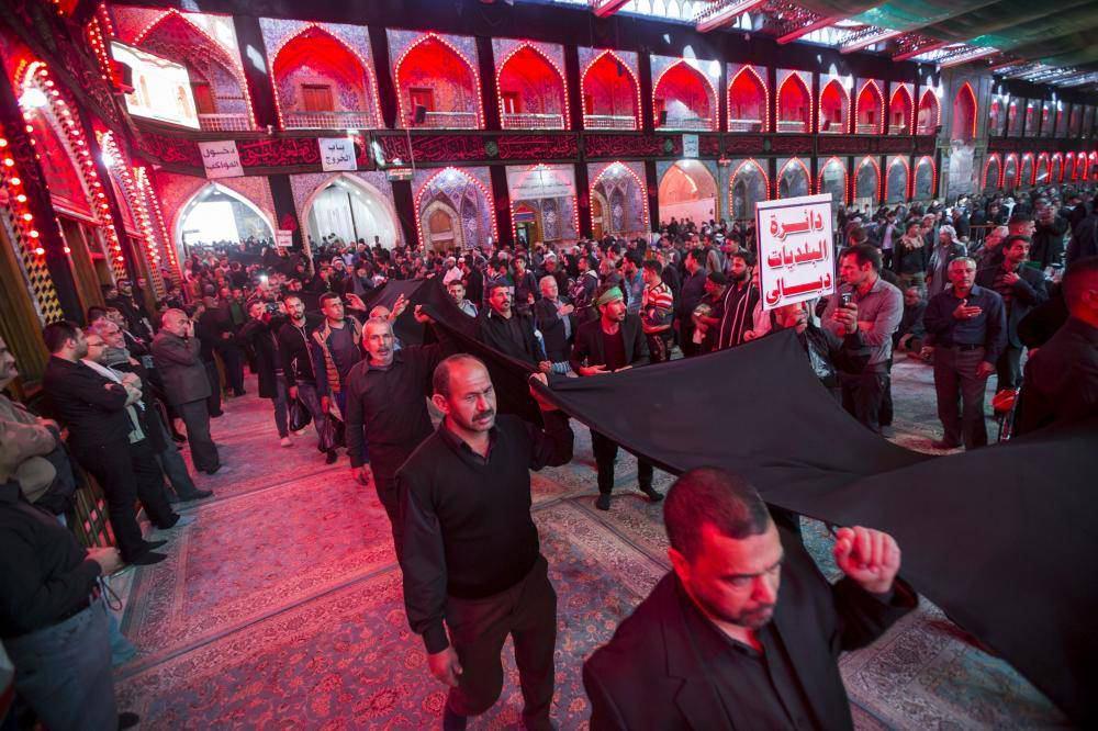 Photo of طولانی ترین پرچم عزای حسینی وارد كربلا شد