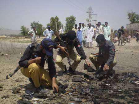 تصویر انفجار تروريستى در پيشاور پاكستان