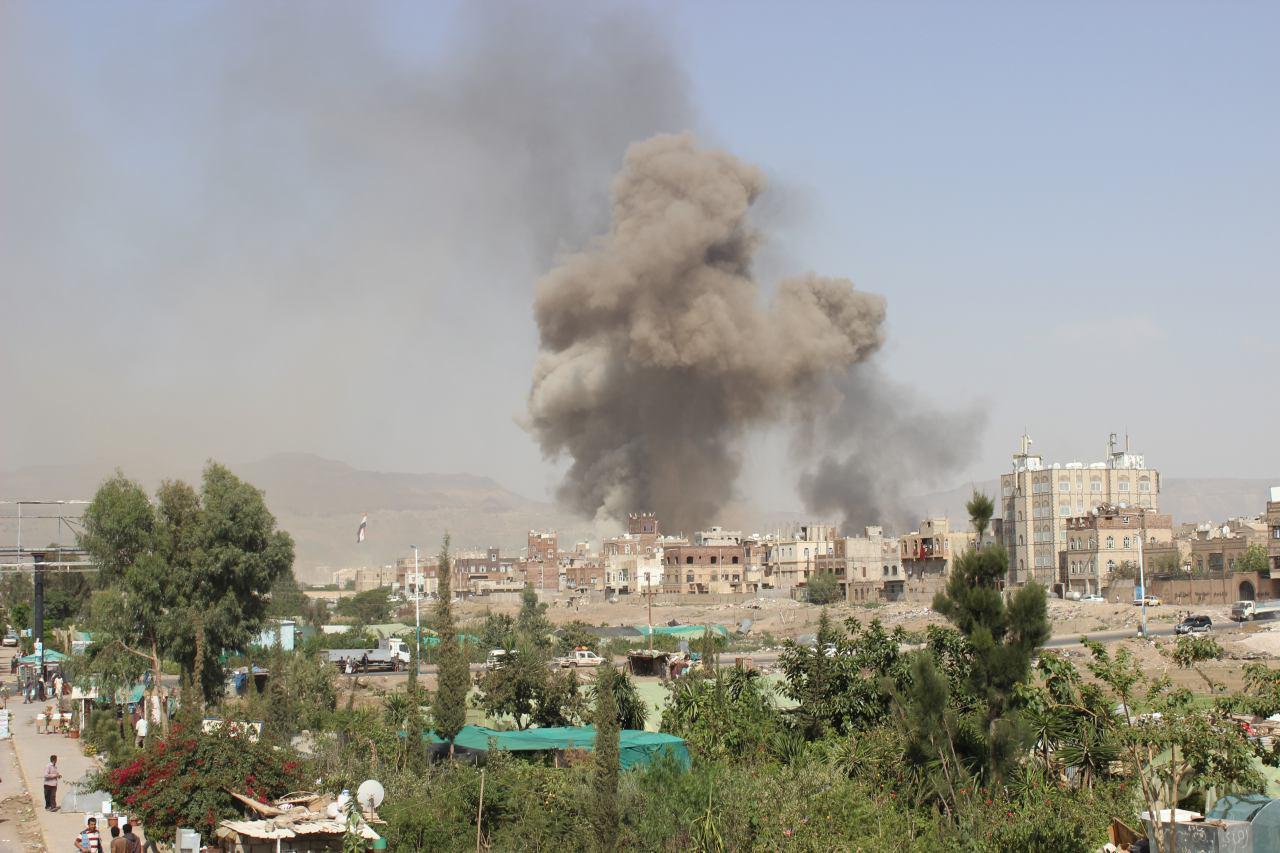 تصویر ادامه بمباران استان هاى مختلف يمن توسط جنگنده هاى عربستان