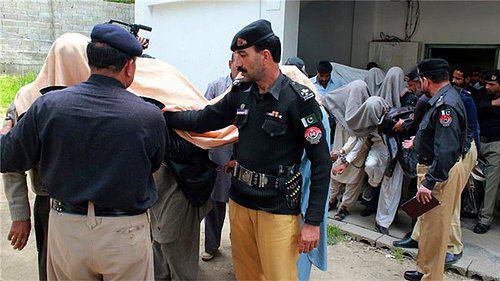 تصویر اقدامات دولت پاکستان برای بازداشت زائران امام رضاعلیه السلام