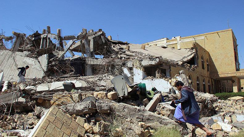 تصویر حمایت وزیر خارجه انگلیس از بمباران یمن