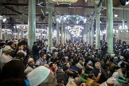 تصویر مراسم نمادین ورود سر مطهر امام حسین علیه السلام به مصر