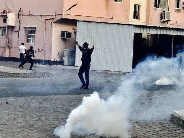 تصویر درخواست بنیاد جهانی ایت الله العظمی شیرازی از شیعیان بحرین درتمسک به تظاهرات مسالمت امیز